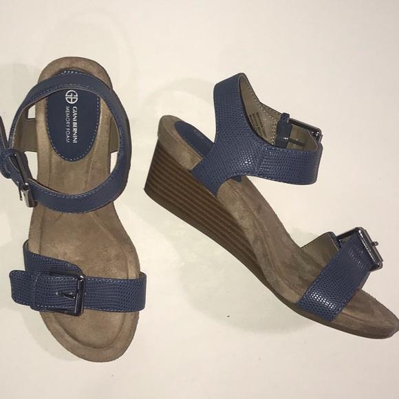 Giani Bernini Blue Memory Foam Sandals